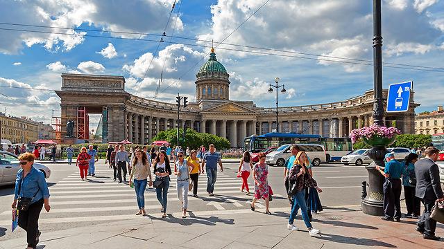 מתכוננת למונדיאל. סנט פטרבורג ברוסיה (צילום: depositphotos.com) (צילום: depositphotos.com)