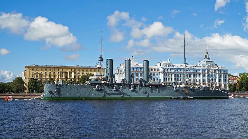 אוניית הקרב אורורה והפגז הראשון של המהפכה (צילום: depositphotos.com) (צילום: depositphotos.com)