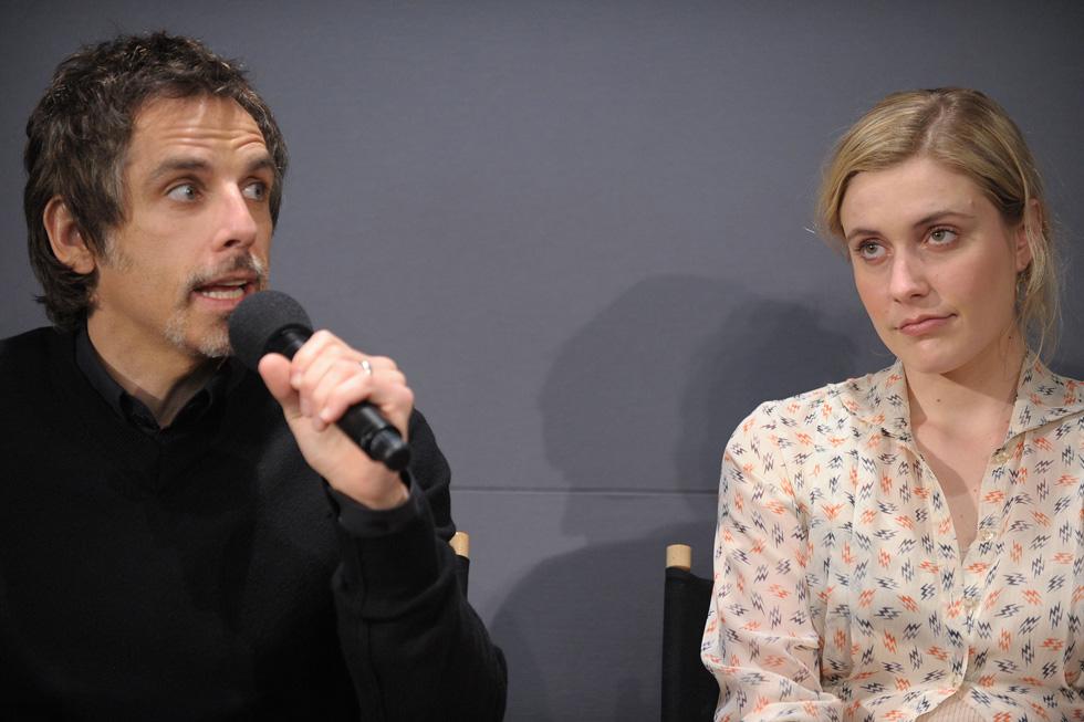 """עם בן סטילר, שהופיע לצידה ב""""גרינברג"""". והיא בכלל רצתה להיות מחזאית (צילום: Gettyimages)"""