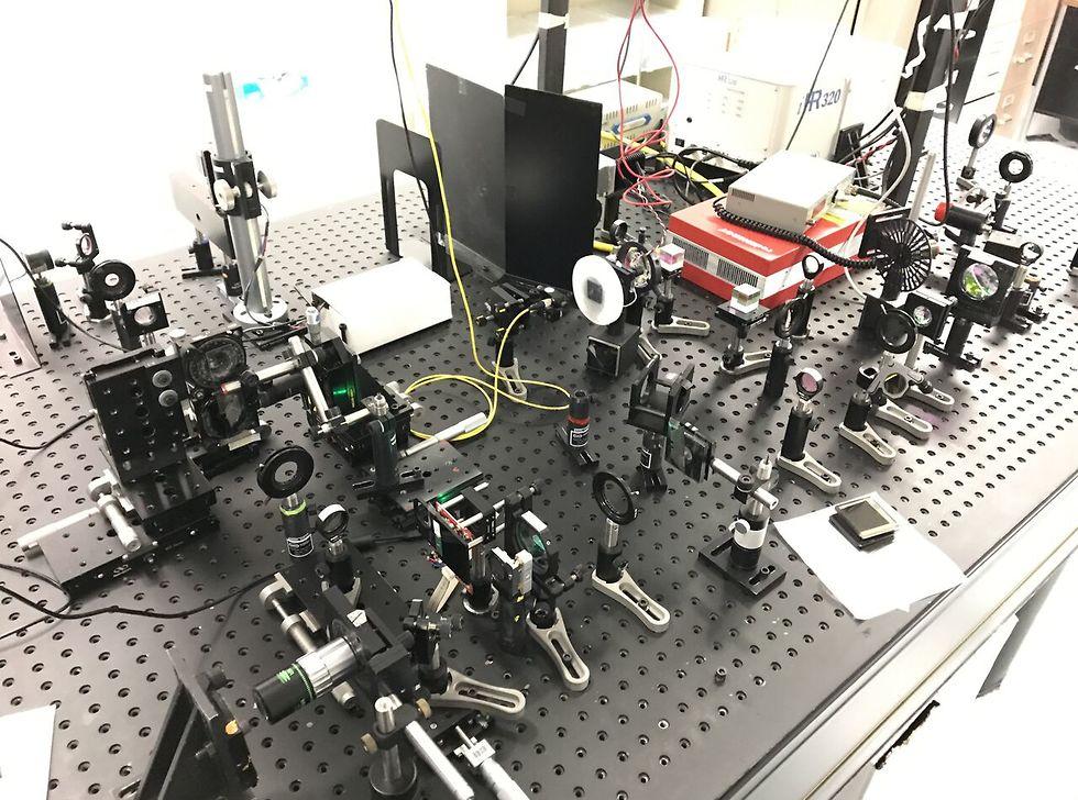 7.המערכת האופטית במעבדה – שיתוף פעולה בין הטכניון ל- CREOL  (צילום: דוברות הטכניון) (צילום: דוברות הטכניון)