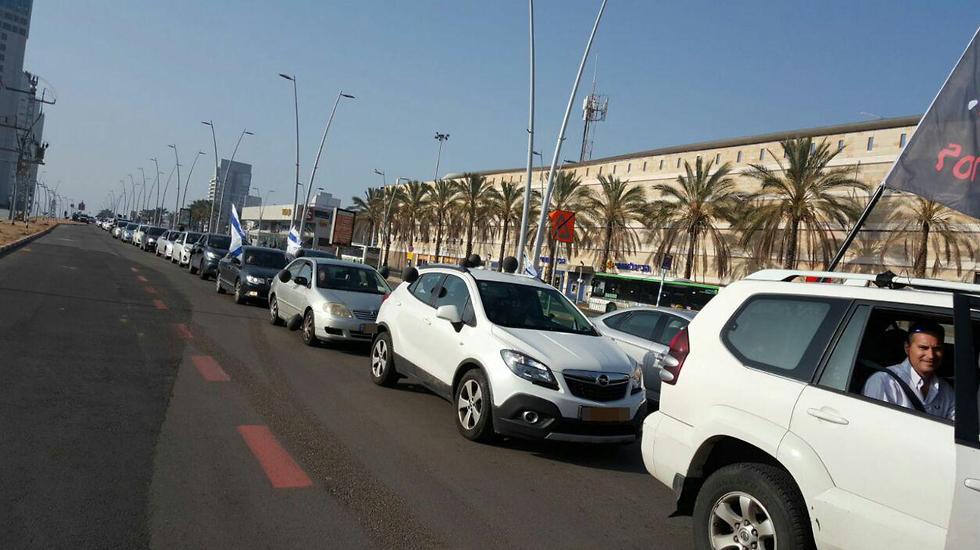 שיירת המחאה באשדוד (צילום: ריקי כהן) (צילום: ריקי כהן)