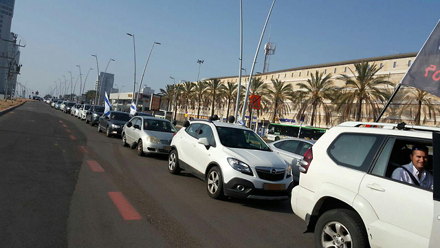Hundreds participated in the Ashdod protest convoy (Photo: Ricki Cohen)