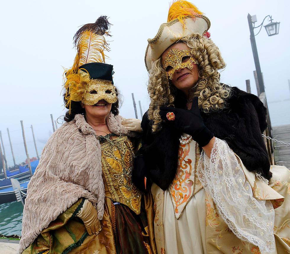 קרנבל המסכות בוונציה בימים אלה (צילום: רויטרס) (צילום: רויטרס)