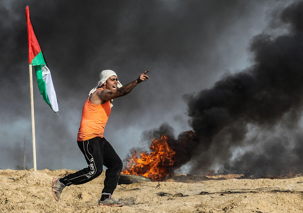 Riots near Gaza border fence, Thousands Of Gazans could run to the fences in case of a humanitarian disaster  (Photo: AFP)