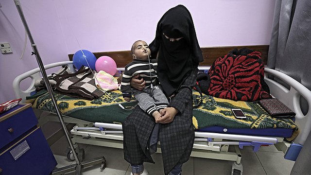 Child cancer patient in a Gaza Strip hospital (Photo: EPA)
