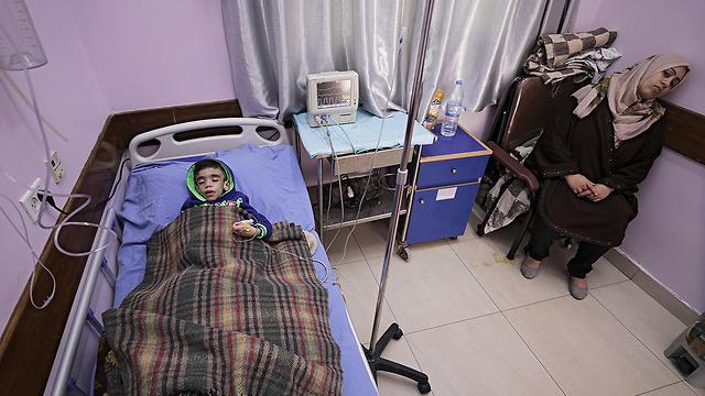 ילדים חולי סרטן בבית חולים בעזה  (צילום: EPA) (צילום: EPA)
