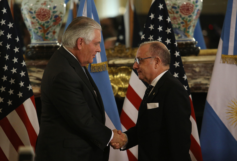Tillerson and Faurie meet in Buenos Aires (Photo: AP)