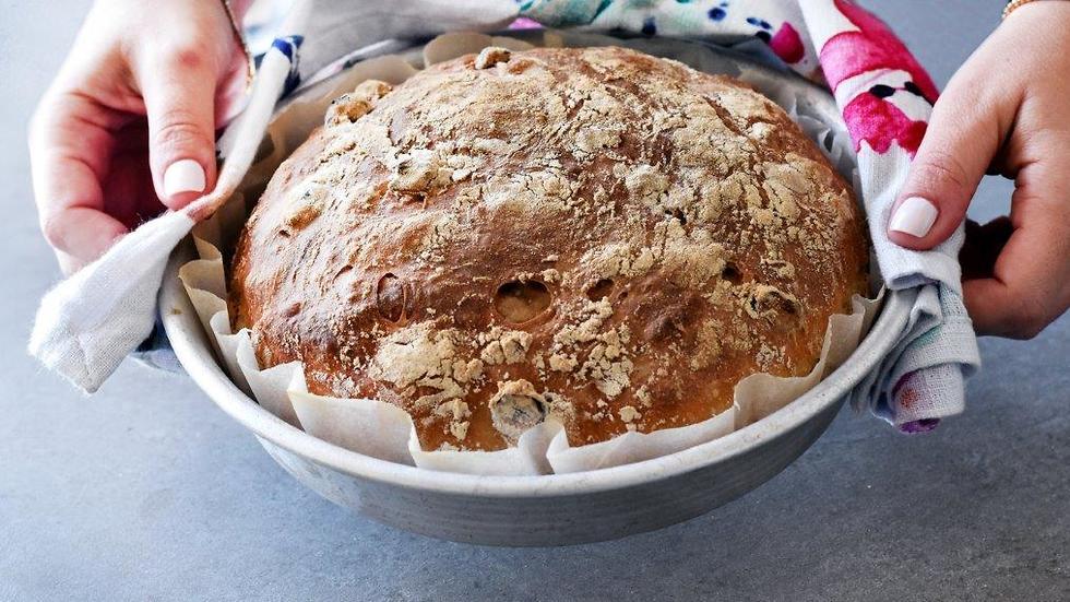 לחם אגוזי לוז ללא מיקסר (צילום: רחלי קרוט) (צילום: רחלי קרוט) (צילום: רחלי קרוט)