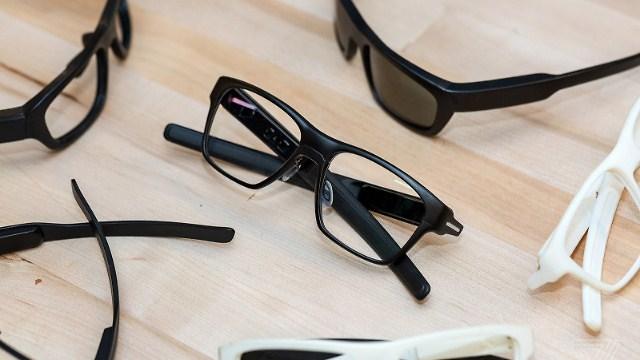 משקפיים חכמים נורמליים (צילום מסך: TheVerge) (צילום מסך: TheVerge)