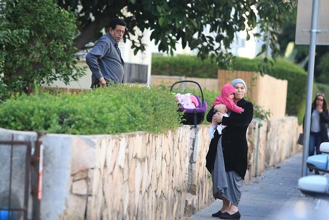משגיחים. תבורי ויהודית באומן (צילום: מוטי לבטון)