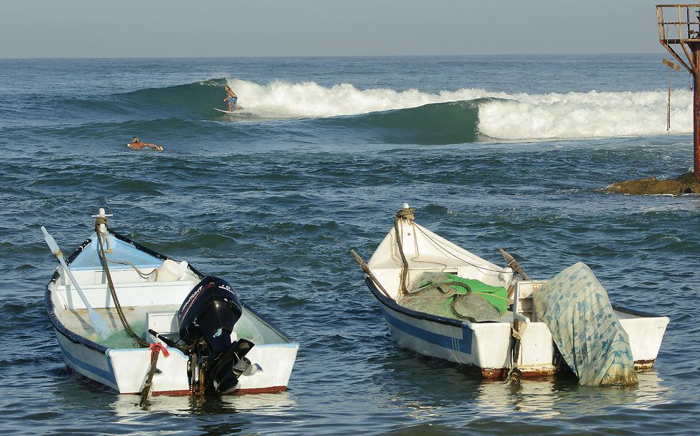 הגלים של ג'סר א-זרקה (צילום: אורי מגנוס) (צילום: אורי מגנוס)