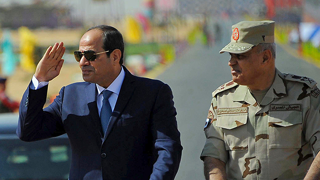 """נשיא מצרים. """"אתם צריכים להרגיש גאווה"""" (צילום: AP) (צילום: AP)"""