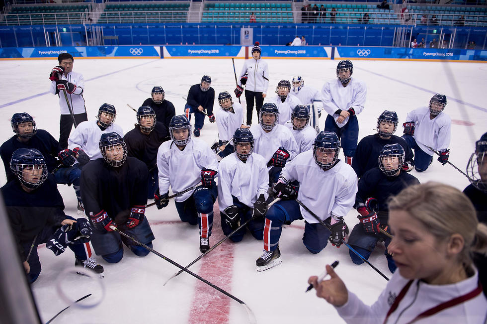 נבחרת ההוקי המאוחדת של קוריאה (צילום: AFP) (צילום: AFP)