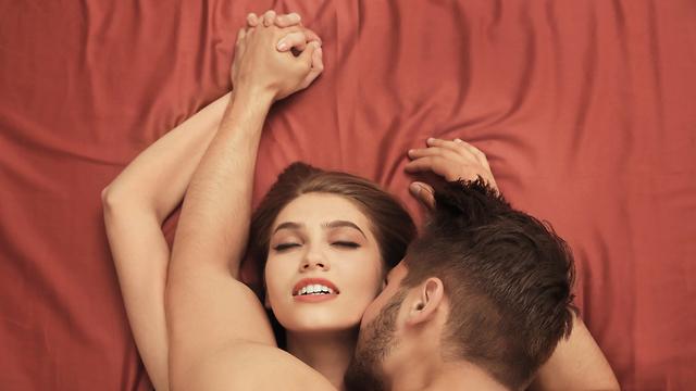 הוא נישק כל איבר ואיבר בגוף שלי (צילום: Shutterstock) (צילום: Shutterstock)