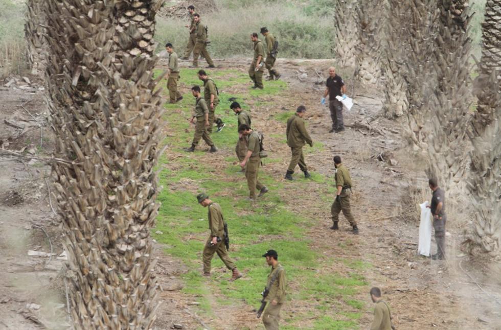 """החיפושים אחר שברי המל""""ט האיראני שיורט בצפון (צילום: זהר שחר) (צילום: זהר שחר)"""