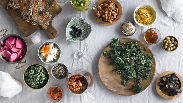מזון עשיר בערכים תזונתיים (צילום: רונן מנגן) (צילום: רונן מנגן)