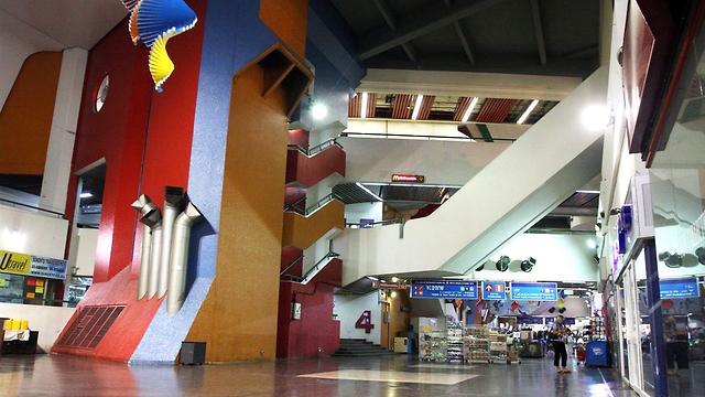 """מה יעלה בגורלה? התחנה המרכזית החדשה בת""""א (צילום: עופר עמרם) (צילום: עופר עמרם)"""