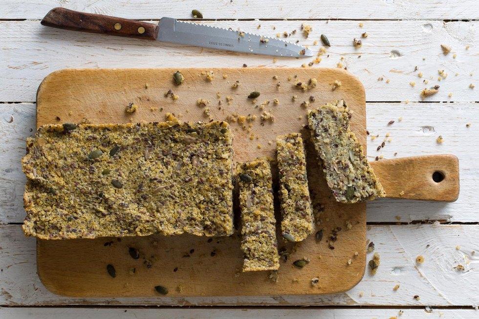 לחם קינואה ללא גלוטן (צילום: בועז לביא, סגנון: אינה גוטמן)