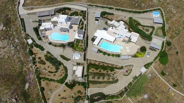 וכך זה נראה מהאוויר. הווילה שמימין יכולה להיות שלכם (צילום: מתוך dreamvillamykonos.com) (צילום: מתוך dreamvillamykonos.com)
