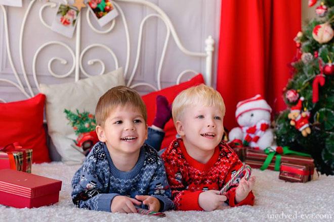 """התאומים של ורד: איתי ושי: """"הם כן תאומים? אבל איך? הם נראים שונים"""" (צילום: Darya Dumnova ו Olga Medvdev)"""