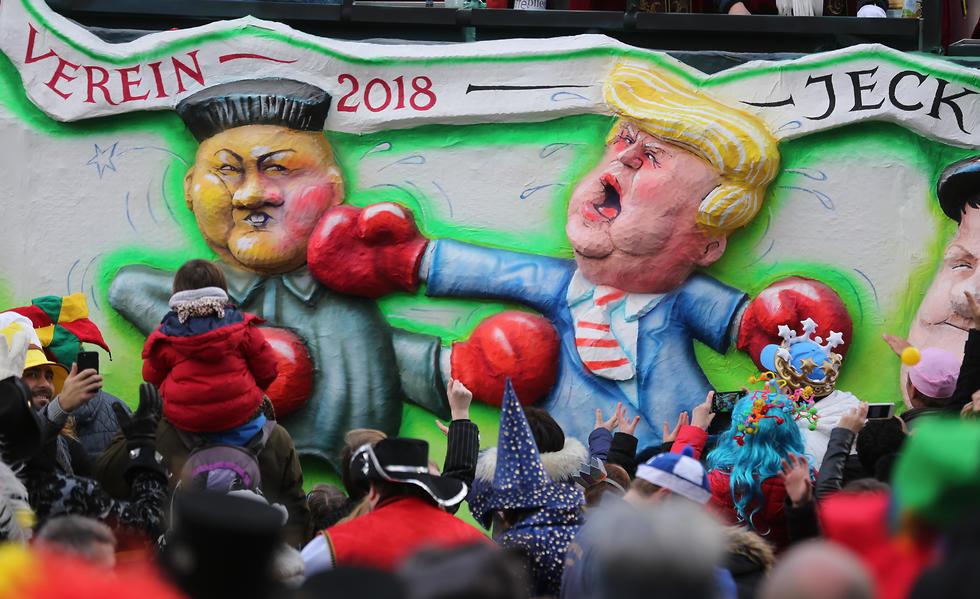 טראמפ וקים ג'ונג און מחליפים מהלומות (צילום: AP) (צילום: AP)
