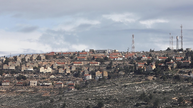 West Bank settlements (Photo: EPA)