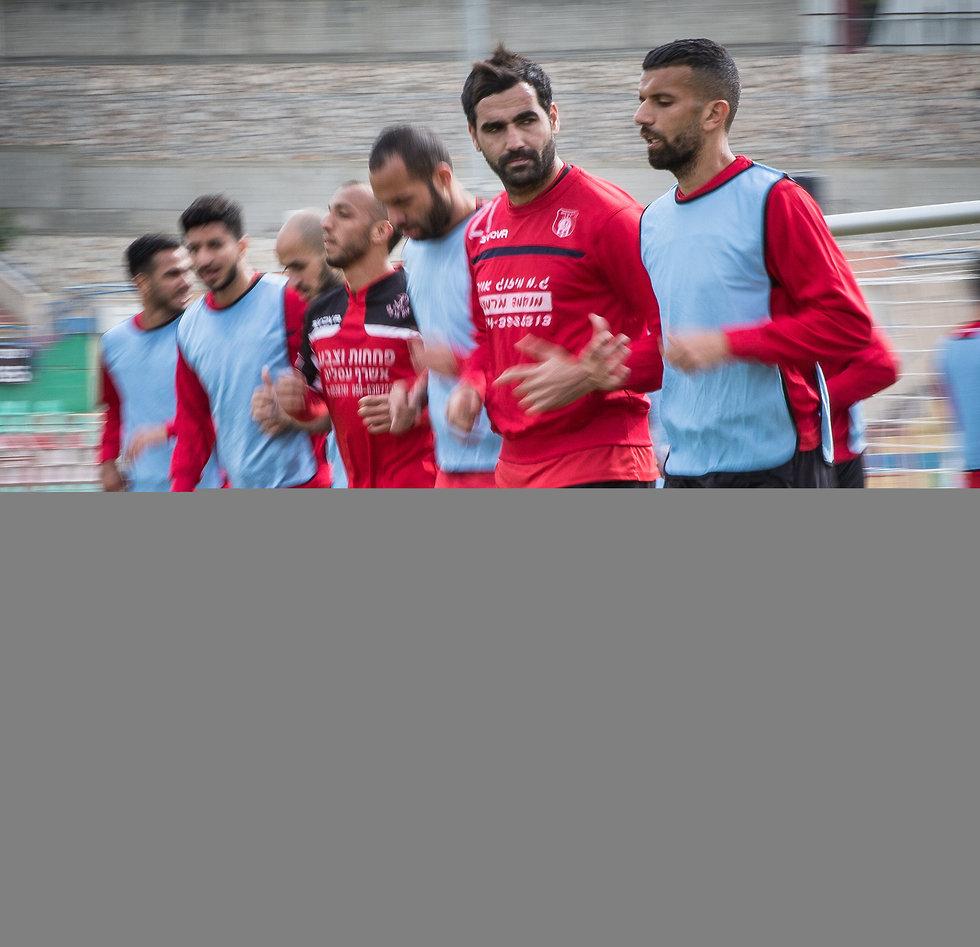 שחקני הפועל אום אל פאחם (צילום: עוז מועלם) (צילום: עוז מועלם)