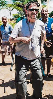 פלד בטנזניה לפני כשנתיים. המסע החזיר לו תחושות של חופש, שחרור ועצמאות – וגם את אהובתו