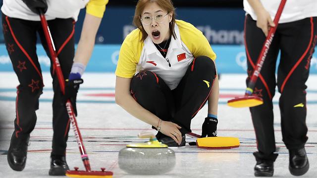 זה ספורט? קרלינג (צילום: AP)