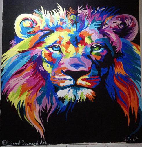 """אריה על קיר. """"אני ממשיכה לפתח את האמנות שלי"""" (ציור: כרמל בומרד)"""