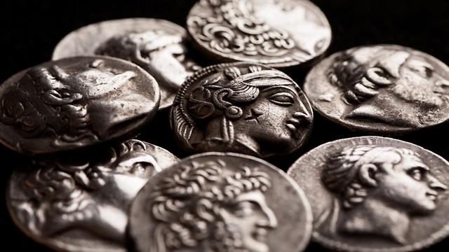 המצוינות הפכה למושא הקנאה של האזרחים, ולא הרכוש (צילום: Shutterstock) (צילום: Shutterstock)