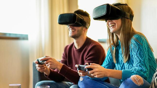 מציאות מדומה (אילוסטרציה: Shutterstock) (אילוסטרציה: Shutterstock)