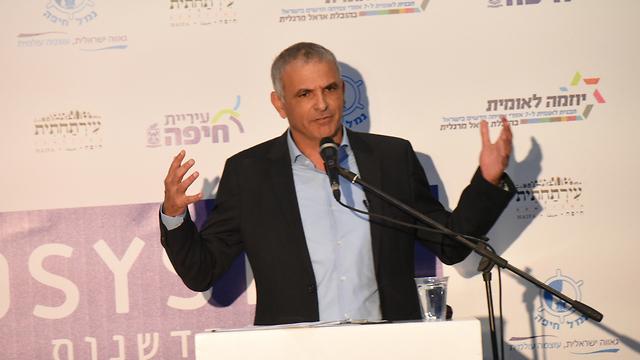 השר משה כחלון באירוע בחיפה (צילום: אביהו שפירא) (צילום: אביהו שפירא)
