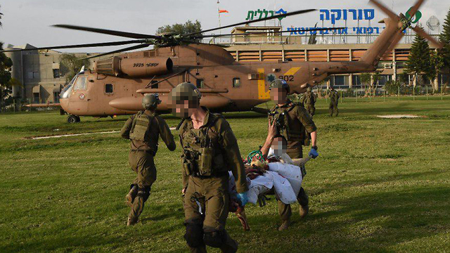 One of the soldiers wounded last month brought into Soroka Hospital (Photo: Haim Horenstein)
