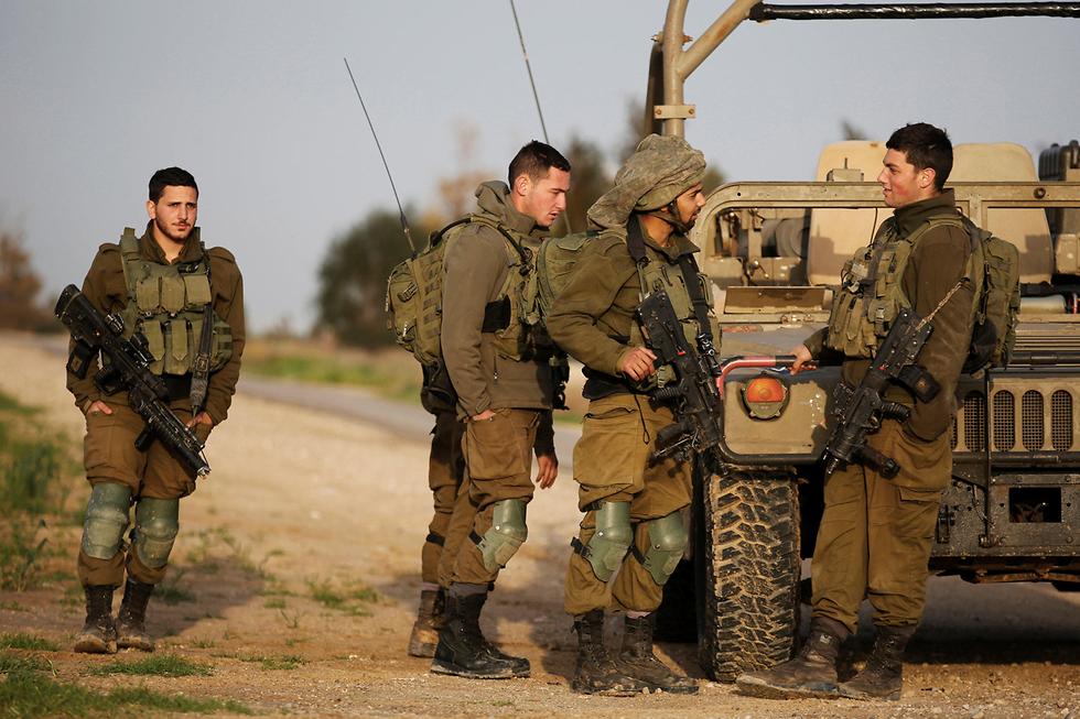 """כוחות צה""""ל הוזעקו למקום התקרית (צילום: רויטרס) (צילום: רויטרס)"""