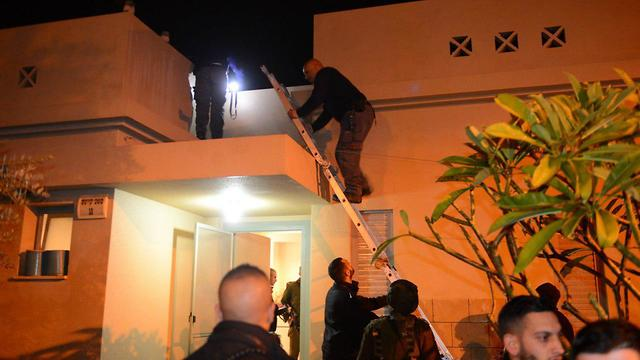 Israeli home hit by Hamas rocket (Photo: Avi Roccah)