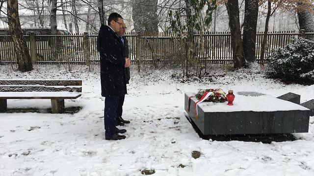 Polish Prime Minister Morawiecki visits memorial for Polish underground