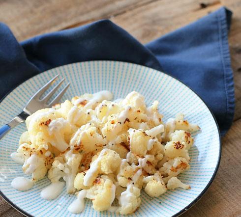 אם לא מכינים מהכרובית לביבות, מגישים אותה כתוספת קלילה (צילום: טליה הדר)