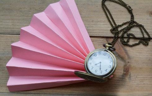 משדרגים עם שרשרת שעון (צילום: אפרת דה בוטון)