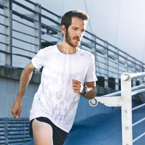 """""""לסיים מרתון זו אופוריה משוגעת. אתה על גג העולם"""" (צילום: יונתן תמיר)"""