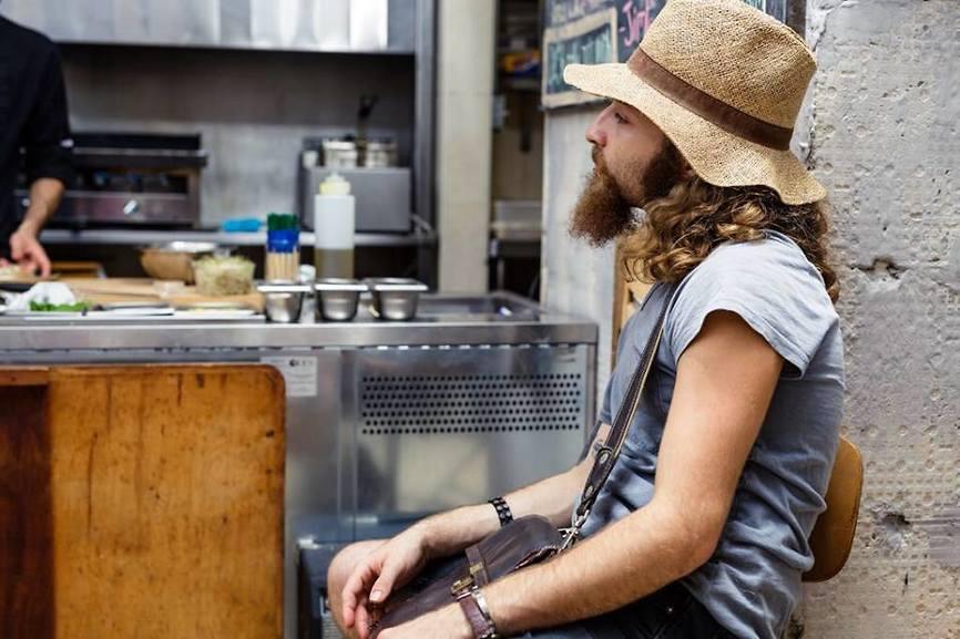 """גיל ברנוב, jim 22 . """"לא שף ולא טבח, סתם אחד שרוצה לעשות משהו טוב למען הסביבה שבה אני חי"""" (צילום: יח""""צ)"""