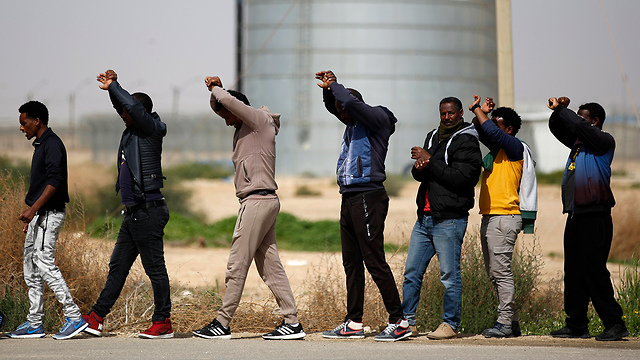 Asylum seekers' protest at the Saharonim Prison  (Photo: EPA)