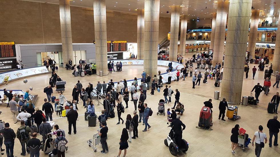 Аэропорт. Фото: Ави Хай (Photo: Avi Chai)