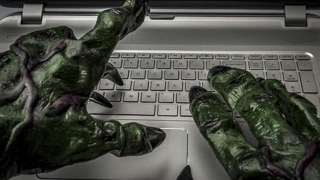 מלבים את הרשת באמצעות מסרים (אילוסטרציה: Shutterstock) (אילוסטרציה: Shutterstock)