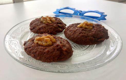 עוגיות בננה וקקאו עם קמח כוסמין  (צילום: אבירם פלג)