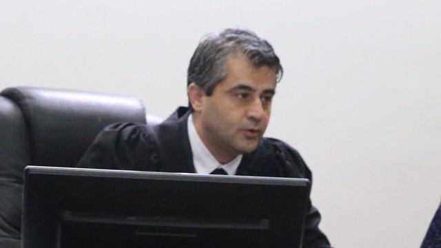 השופט עלאא מסארווה, הבוקר בבית המשפט (צילום: מוטי קמחי) (צילום: מוטי קמחי)