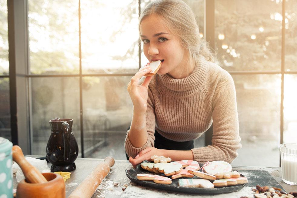 הכנת עוגיות עם סוכר קנים אורגני? זה עדיין נחשב לסוכר (צילום: Shutterstock)
