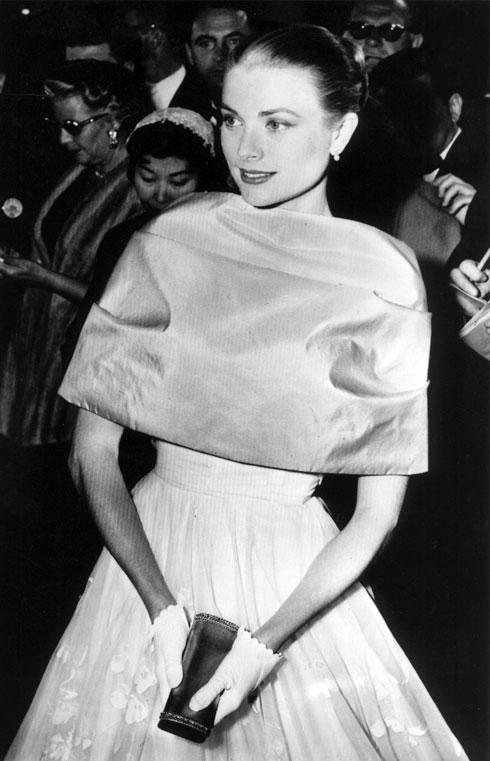 רגע לפני שהפכה לנסיכה. גרייס קלי, 1956 (צילום: AP)