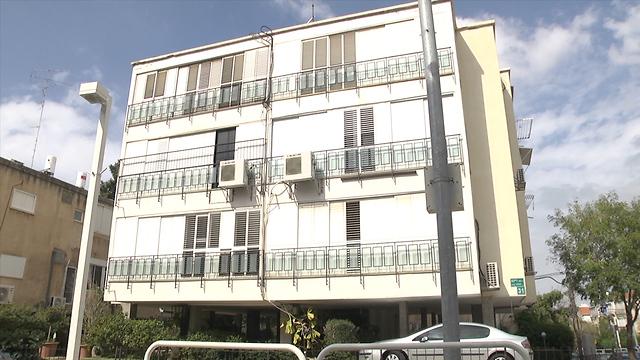 """ניסוי על הנכס: """"הדיירים מפקידים את הבית בידיו של קבלן, במטרה לשפר את איכות חייהם"""" (צילום: אורי דוידוביץ') (צילום: אורי דוידוביץ')"""