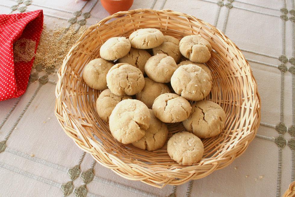 עוגיות טחינה קלאסיות (צילום: אסנת לסטר)
